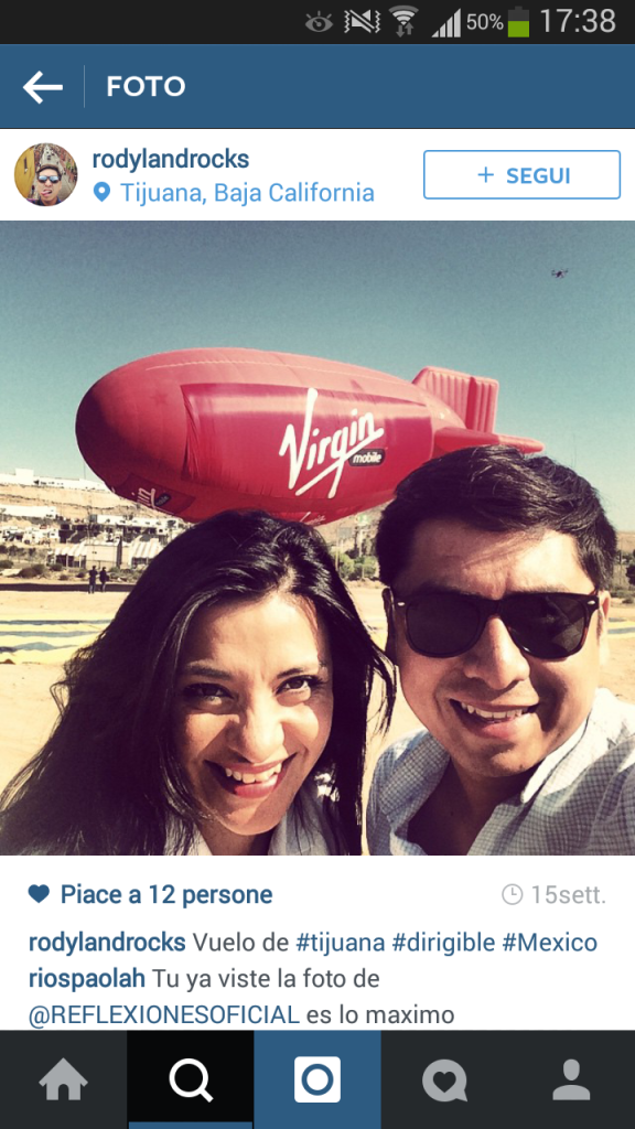 Selfie davanti al dirigibile